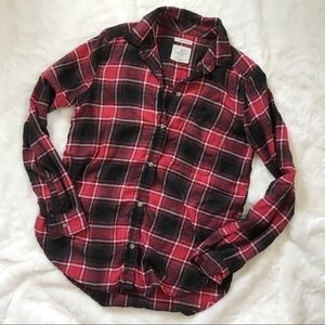 American Eagle Red Grey Plaid Flannel Button Down